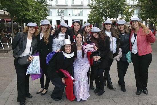 Despedida vestidas de chulapas en Madrid