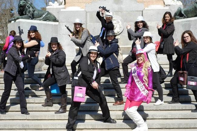 chicas posando para book de fotografias para despedidas en Madrid
