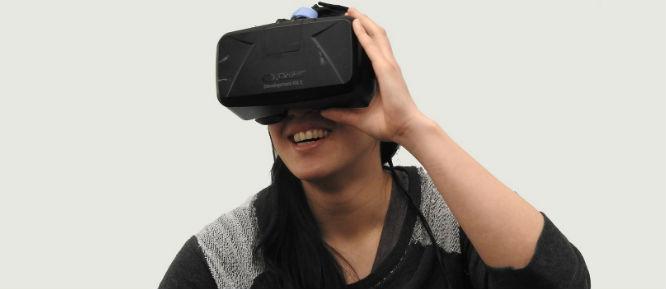 chica jugando en realidad virtual