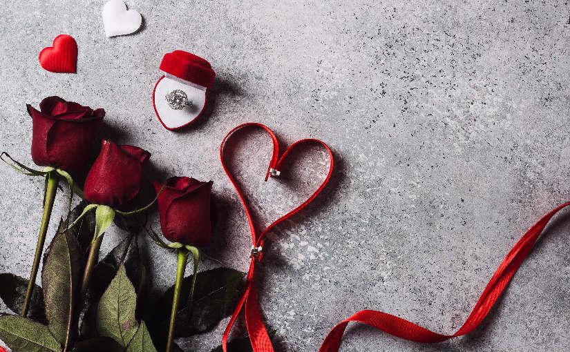 flores y anillo aniversario